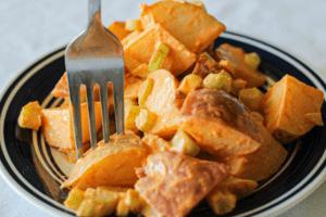 Vegan Sriracha Potato Salad